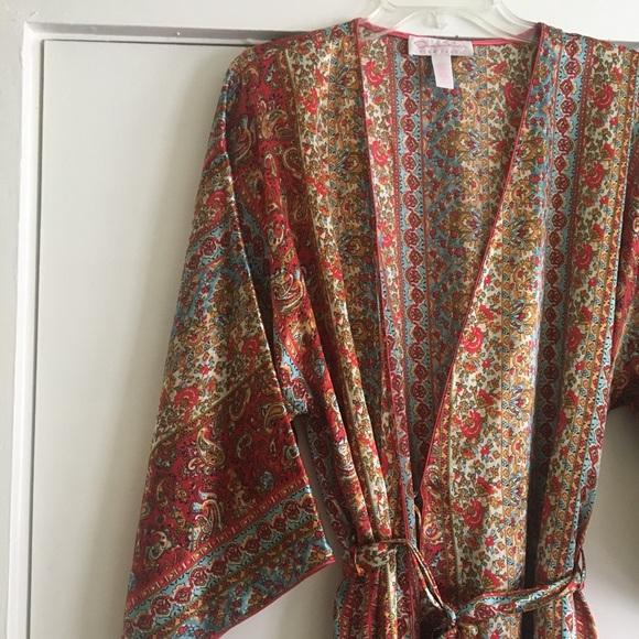 9d849cec47 Oscar de la Renta Printed Kimono Robe. M 5b81883634e48a21daf8d81b